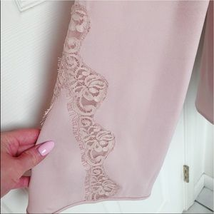 BCBGMaxAzria Tops - Dusty pink blouse